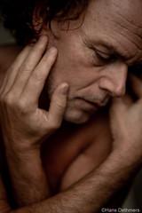 Lyam077 (2) (Hans Dethmers) Tags: portrait portret pose poseren porträt man hands