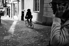 walk in my frame (gato-gato-gato) Tags: leica leicammonochrom leicasummiluxm35mmf14 mmonochrom messsucher monochrom schweiz strasse street streetphotographer streetphotography streettogs suisse svizzera switzerland zueri zuerich zurigo black digital flickr gatogatogato gatogatogatoch rangefinder streetphoto streetpic tobiasgaulkech white wwwgatogatogatoch zürich ch manualfocus manuellerfokus manualmode strase onthestreets mensch person human pedestrian fussgänger fusgänger passant sviss zwitserland isviçre zurich
