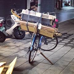 駐車根 #cargobike #commute #commuter #bike #cycle #urbancycling #urbancyclist #urbancycle #taipei #taiwan #Bicycle #自行車 #單車通勤 (funkyruru) Tags: cargobike commute commuter bike cycle urbancycling urbancyclist urbancycle taipei taiwan bicycle 自行車 單車通勤