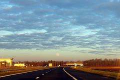 Early evening big moon (Davydutchy) Tags: emmeloord a6 motorway highway freeway autobahn autoroute snelweg autosnelweg weg road viaduct brug ovepass brücke maan moon mond lune january 2019