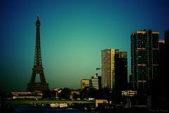 The City (Loran de Cevinne) Tags: lorandecevinne toureiffel seine fleuve quaisdeseine france iledefrance pentax paris capitale