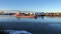 Wilson Maas - Aberdeen Harbour Scotland - 30/01/2019 (DanoAberdeen) Tags: iphone8plus iphonevideo aberdeenscotland northpier pocraquay bunkers silos marineoperationscentre fittie footdee spring winter summer autumn bluesky water maritime tanker oilships seafarers psv 2019 amateur candid seaport harbour offshore oil oilrigs supplyships cargoships northsea scotland aberdeenharbour aberdeen mp4 mpeg video wilsonmaas danoaberdeen abz abdn uk gb ships shipping tug vospassion tagged northeast north seawaterriver deemarine operations centre pier fish fishing grampian vessel boat shipspotting shipspotters