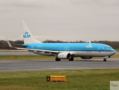 KLM B737-8K2 PH-BXY taxiing at MAN/EGCC (AviationEagle32) Tags: manchester man manchesterairport manchesteravp manchesterairportatc manchesterairportt1 manchesterairportt2 manchesterairportt3 manchesterairportviewingpark egcc cheshire ringway ringwayairport runwayvisitorpark unitedkingdom uk airport aircraft airplanes apron aviation aeroplanes avp aviationphotography avgeek aviationlovers aviationgeek aeroplane airplane planespotting planes plane flying flickraviation flight vehicle tarmac klm klmroyaldutchairlines airfranceklm royaldutchairlines skyteam boeing boeing737 737 b737 b737ng b737800 b737w b7378k2 phbxy