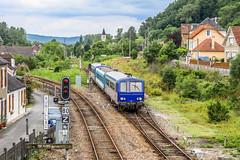 14 juin 2010 x 2125-96212-2150 Train 870156 Capdenac -> Brive Saint-Denis-Prés-Martel (46) (Anthony Q) Tags: x2125 14 juin 2010 lx2125 assure le train 870156 entre capedenac et brive passe les bif de stdeniprésmartel qui même vers aurillac à gauche souillac droite x 2125962122150 capdenac saintdenisprésmartel 46 x2100 x2200 xr6000 x2150 sncf ter ferroviaire