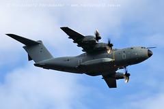 7053 A400M (photozone72) Tags: duxford iwmduxford aircraft airshows airshow aviation canon canon7dmk2 canon100400f4556lii 7dmk2 raf a400m airbus atlas