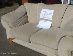 March 25th, 2019 Free, slightly battered sofa (karenblakeman) Tags: southviewavenue caversham uk sofa furniture 2019 2019pad march reading berkshire