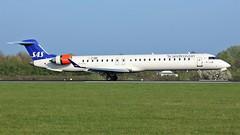 EI-FPJ (AnDyMHoLdEn) Tags: sas scandinavian bombardier crj900 staralliance egcc airport manchester manchesterairport 05r