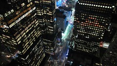 Expect the unexpected (Robert Saucier) Tags: newyorkcity newyork nyc manhattan broadway residenceinn skyscraper gratteciel nuit night noflash noir building architecture fenêtre window vitre glass cristal plongée vudenhaut rue street img3907