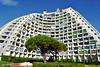 34 Ville Nouvelle la Grande Motte - l' architecte Jean Balladur invente le tourisme balnéaire des classes moyennes @ l' A.U.A. .