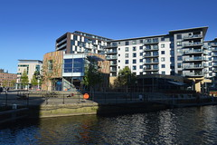 Waterside living in Leeds (Tony Worrall) Tags: leeds yorkshire yorkshirephotos river wet water urban architecture building built city homes north update place location uk england visit area attraction open stream tour country item greatbritain britain english british gb capture buy stock sell sale outside outdoors caught photo shoot shot picture captured ilobsterit instragram