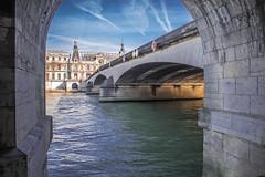 Paris ( Philippe L PhotoGraphy ) Tags: àlextérieur beaubourg noir leshalles eau idf contrasteélevé nature mariedeparis piècedeau architecture terne france paris rivière monuments