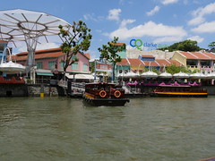 SingaporeRiverColonialDistrict018 (tjabeljan) Tags: singapore asia colonialdistrict singaporeriver colemanbridge oldparliament fullertonhotel themelrion raffles victoriatheatre clarkquay marinabay