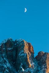 Sunset Moon (Nicola Pezzoli) Tags: italy italia val gardena dolomiti dolomites mountain winter alto adige snow neve nature natura bolzano sassolungo moon sunset monte pana seura