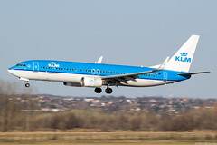 PH-BXY (Andras Regos) Tags: aviation aircraft plane fly airport bud lhbp spotter spotting landing klm boeing 737 panning