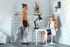 in for a check-up (photos4dreams) Tags: dress barbie mattel doll toy photos4dreams p4d photos4dreamz barbies girl play fashion fashionistas outfit kleider mode puppenstube tabletopphotography redhead ginger girlpower curvy kurvig madetomove mtm strawberryblonde normalbody ken charming spielzeug barista coffeebar kaffee diorama 16 canoneos5dmark3 toys fashionista dude manbun barbiefxp03kencareerpuppebarista ladydoctor ärztin doktorspiele doktorspielchen playingdoctor physician