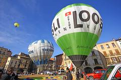HB-QWR (Josep Ollé) Tags: globos festival hbqwr hbqnc plaza balloons