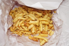 A ton of chips (Like_the_Grand_Canyon) Tags: new zealand neuseeland kiwi food essen meal christchurch vacation travel holiday december 2018 french fries pommes