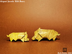 Origami Juvenile Wild Boars - Barth Dunkan. (Magic Fingaz) Tags: barthdunkan ecorigami origami origamiwildboar paperart paperfolding sanglier wildboar wildschwein หมูป่า 야생멧돼지 イノシシ 野豬 pig origamipig