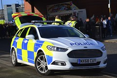 NX68 CUY (S11 AUN) Tags: cleveland police ford mondeo zetec estate dog section policedogs dsu dogsupportunit incident response 999 emergency vehicle nx68cuy