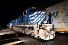 Feelin' Blue (Robby Gragg) Tags: cefx ac4400cw 1011 crest hill