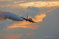 Frecce Tricolori (Michele Monteleone) Tags: michelemonteleone canon 5dmarkiii volo aereo areonautica cielo nuvole aermacchi mb339 pan pattugliaacrobaticanazionale aeronautica tramonto solista