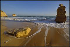 Praia da Marinha #3 (LilFr38) Tags: lilfr38 fujifilmxpro2 fujifilmfujinonxf1024mmf4rlmois algarve portugal praiadamarinha beach ocean sand wave cliff rock plage océan sable vague rocher falaise