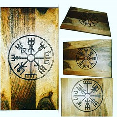 Vegvisir Nordic Compass Norse Viking Wooden Acacia Engraved Chopping Board #Viking #nordic #cheeseboardsofinstagram #wine #Personalised #vikingstyle #Retrosheep #Amazon #Amazonhandmade Retrosheep.com @amazon https://ift.tt/2O39dq3 (RetrosheepCharms) Tags: retrosheep handmade gifts deals giftideas