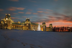 RUS70869 - Winter Time #17. Sunset near Palace (rusTsky) Tags: winner winter palace sunset outdoor night lights architecture old building snow blue bluehour longexposure moscow canon eos5d