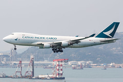 CATHAY PACIFIC CARGO B747-400ERF B-LID 002 (A.S. Kevin N.V.M.M. Chung) Tags: aviation aircraft aeroplane airport airlines plane spotting hkg boeing b747 747 jumbo jet cargo queen appoach landing b747400f