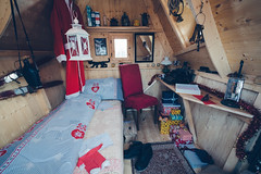 The Bedroom of Santa Claus (Bephep2010) Tags: 2018 7markiii aeschi aeschibeispiez aeschiried alpha berneroberland berneseoberland bett geschenk herbst ilce7m3 nikolaus päckchen sel1635z santaclaus schreibmaschine schweiz sony switzerland weihnachten weihnachtsmann autumn bed christmas fall parcel present red rot skier skis typewriter ⍺7iii kantonbern ch
