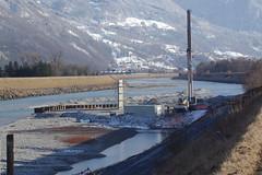 IMGP3473 Baustelle mit Autokran im Rheinbett (Alvier) Tags: schweiz ostschweiz alpenrheintal rheintal rhein rheindamm baustelle autokran bunker railjet berge alpstein dreischwestern alvier