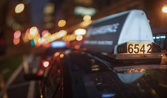Taxi 6542 Entering The Bokeh-Verse (Jovan Jimenez) Tags: sony alpha a6500 samyang 24mm f14 bokeh swirly night kipon adapter tiltshift chicago taxi cab cinematic ilce manuallens streetphotography