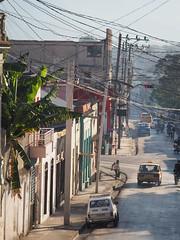 Santiago de Cuba Oriente © Ost-Kuba Lateinamerika © (hn.) Tags: bananatree bananaleaf bananaplant bananenbaum bananenblatt bananenpflanze cu cub caribbean groseantillen karibik provinciadesantiagodecuba republicadecuba republik santiagodecuba copyright copyrighted cuba heiconeumeyer kuba strase street tp201901cuba
