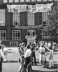 Schulbesetzung_Reher_14 (Klosterschule) Tags: klosterschule hamburg schulbesetzung besetzung schwarzweis blackandwhite history geschichte schulgeschichte historisch school schule 1981 80er 80s
