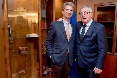 MEP José Ignacio Salafranca and the President of the European Commission Jean Claude Juncker
