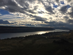 2018 YIP Day 334: Columbia River (knoopie) Tags: 2018 iphone picturemail november maryhill columbiariver 2018yip project365 365project 2018365 yiipday334 day334