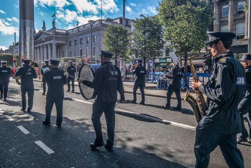 IT IS NOT A PROPER PARADE OR PROTEST MARCH IF IT DOES NOT PASS THROUGH O'CONNELL STREET [TAXI DRIVERS CHILDRENS' OUTING]-149862