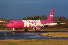 TF-KID Airbus A321-211 EGPH 14-12-16 (MarkP51) Tags: tfkid airbus a321211 a321 wowair ww wow edinburgh airport edi egph scotland aviation airliner aircraft airplane plane image markp51 nikon d7200 sunshine sunny planeporn