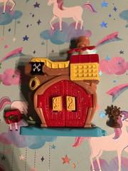 Captain Hook Doorable playset #captainhook #cute #favorite #love #aw #disney #doorable (direngrey037) Tags: captainhook cute favorite love aw disney doorable