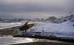 No Fear (Danny VB) Tags: surfer surfing surf planche winter snow cold freezing froid hiver gaspésie capdespoir dannyboyphotography quebec canada beach plage playa village