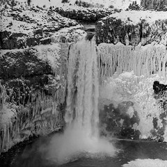 Palouse falls Acros 5 (sailronin) Tags: palousefalls statepark analog film blackandwhite bw waterfall frozen icicles water river snow rocks rollei150mmsonnar rolleiflex6008 fujiacros100 120rollfilm rodinal