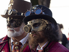 Délirant carnaval (Jacques Isner) Tags: carnavaldannecy annecy 2019 olympus em5mkii carnaval portrait jacquesisner