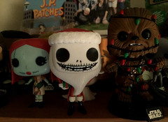 2018 YIP Day 352: Holiday gathering (knoopie) Tags: 2018 december iphone picturemail sally jackskellington chewie chewbacca starwars jppatches 2018yip project365 365project 2018365 yiipday352 day352 funko