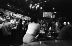 201901-01-M7-RETROPAN320-28HEX-25 copy (maddoc2003jp) Tags: 2019 bw film bar night girls grain nagoya japan leitz leica m7 28mm 2828 mhexanon rollei retropan dusktildawnonfilm