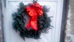 Back door Christmas wreath, 2018 (Maenette1) Tags: wreath chrstmas backdoor redribbon menominee uppermichigan flicker365 allthingsmichigan absolutemichigan projectmichigan michiganchristmas
