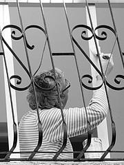 Window Painter B&W (zeevveez) Tags: זאבברקן zeevveez zeevbarkan canon people bw work