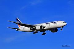 Boeing B777 ~ F-GSPM  Air France (Aero.passion DBC-1) Tags: spotting cdg 2013 dbc1 david aeropassion biscove aviation airport roissy aircraft avion plane airlines airliner boeing b777 ~ fgspm air france