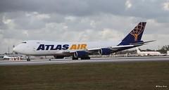Boeing 747-8 (N854GT) Atlas Air (Mountvic Holsteins) Tags: boeing 7478 n854gt atlas air mia miami international airport