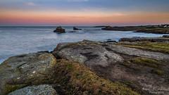 Entre Lanildut et Porspoder de bon matin ! (clos du pontic) Tags: lanildut gr34 paysage marin mer rochers iroise côtier ciel couleur sunrise soleil lever bord falaise fuji xt1
