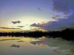 IMG_1346 (P_Lubin_Q) Tags: ciel crépuscule étang arbres groupenuagesetciel bretagne nuages
